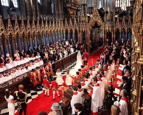 William-Kate-Auszug-Kirche-Kutsche4-11-04-29-500_404_AFP - Bildquelle: AFP