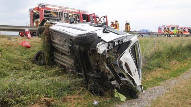 Unfall mit Kleinbus_Schwaben