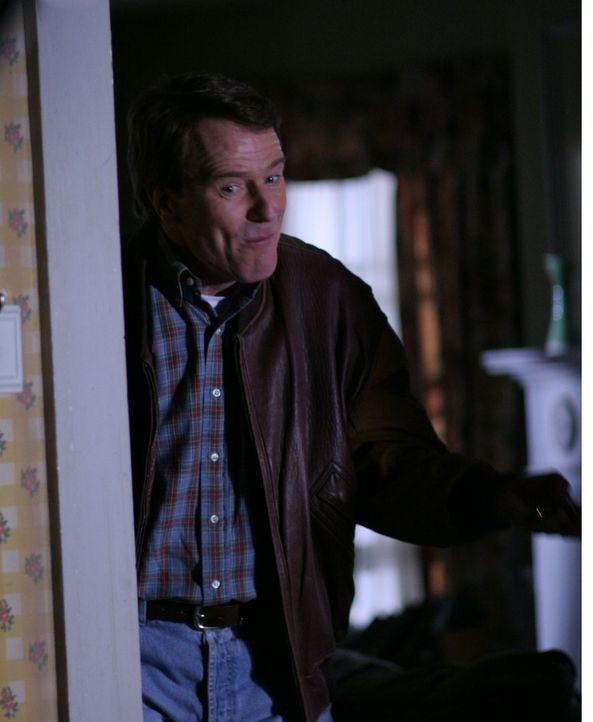 Hal (Bryan Cranston) plant für Lois ein romantisches Hochzeitstags-Dinner ... - Bildquelle: TM +   2000 Twentieth Century Fox Film Corporation. All Rights Reserved.