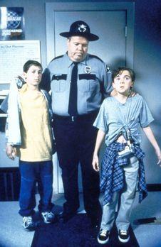 Malcolm mittendrin - Reese (Justin Berfield, l.) und Malcolm (Frankie Muniz,...