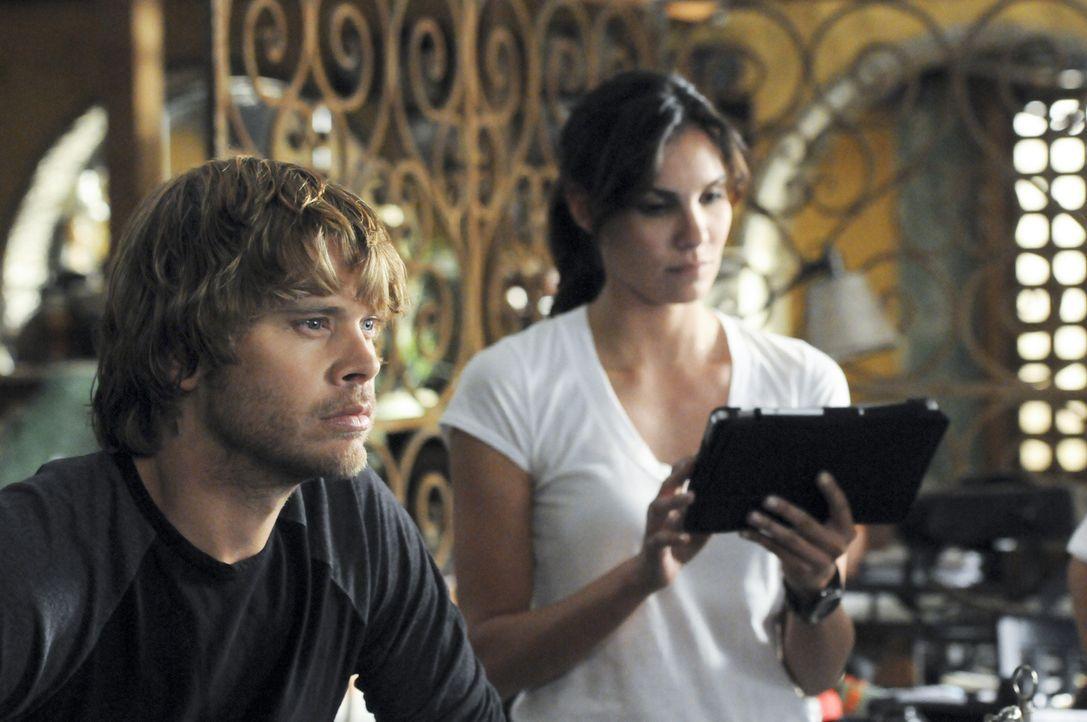 Bei den Ermittlungen: Kensi (Daniela Ruah, r.) und Deeks (Eric Christian Olsen, l.) ... - Bildquelle: CBS Studios Inc. All Rights Reserved.