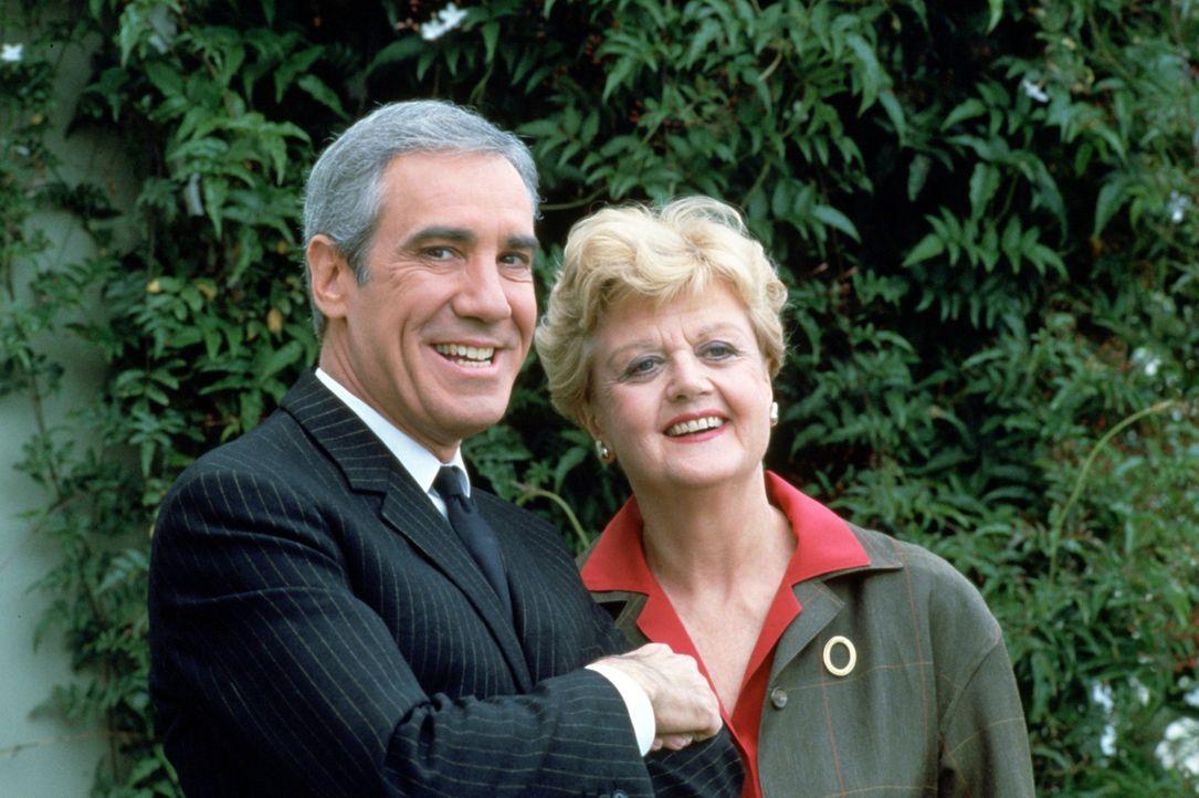 Ist George Fish (Rex Robbins, l.) der der er vorgibt zu sein? Jessica Fletcher (Angela Lansbury, r.) versucht das herauszufinden ... - Bildquelle: Universal Pictures