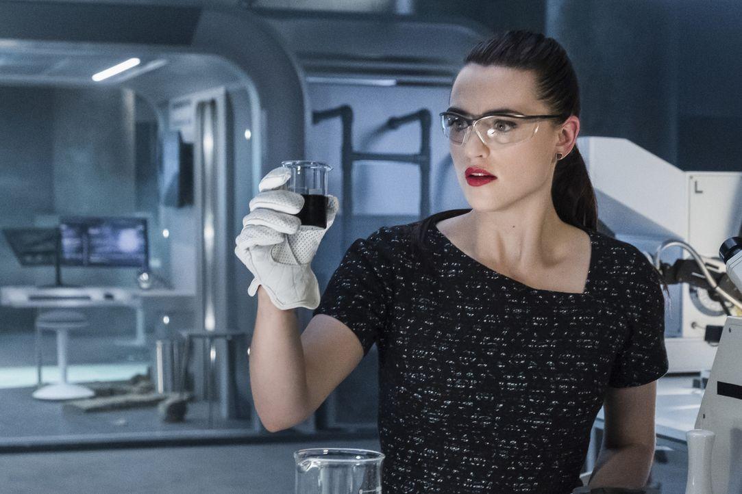 Was werden Lenas (Katie McGrath) nächste Schritte sein? - Bildquelle: 2017 Warner Bros.