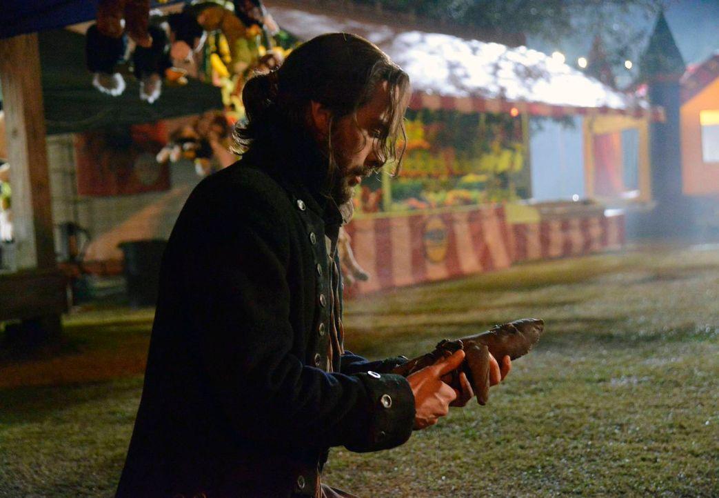 Nimmt den Kampf gegen das Böse erneut auf: Ichabod Crane (Tom Mison) ... - Bildquelle: 2013 Twentieth Century Fox Film Corporation. All rights reserved.