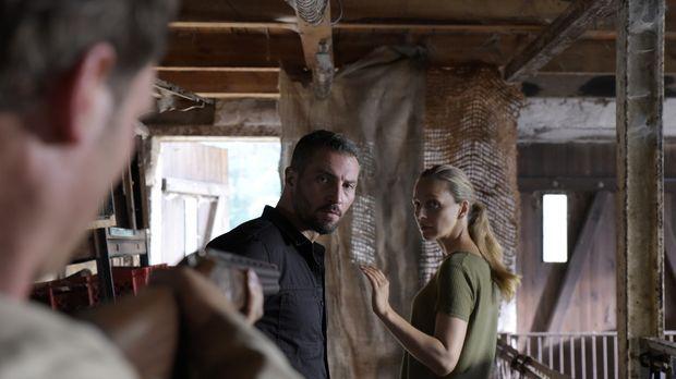 Auf der Suche nach Jella geraten Nora (Petra Schmidt-Schaller, r.) und Robert...