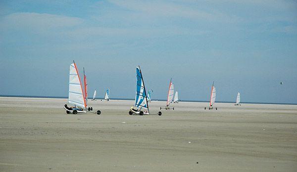 Strandsegler - Bildquelle: Tourismuszentrale Sankt Peter-Ording