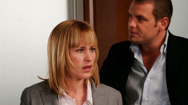 Als sie mit ihrem Kollegen Det. Lee Scanlon (David Cubitt, r.) den aktuellen...