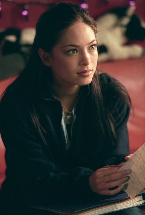 Welches Geheimnis verbirgt Lanas (Kristin Kreuk) merkwürdiger Verehrer? - Bildquelle: Warner Bros.