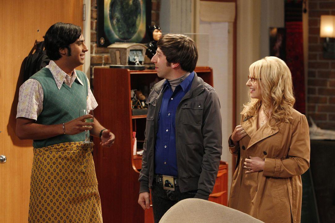 Raj (Kunal Nayyar, l.) ist dem Bann einer Frau erlegen. Bernadette (Melissa Rauch, r.) und Howard (Simon Helberg, M.) machen sich deshalb große Sorg... - Bildquelle: Warner Bros. Television