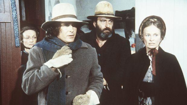 Charles (Michael Landon, 2.v.l.), Mr. Edwards (Victor French) und Grace (Bonn...