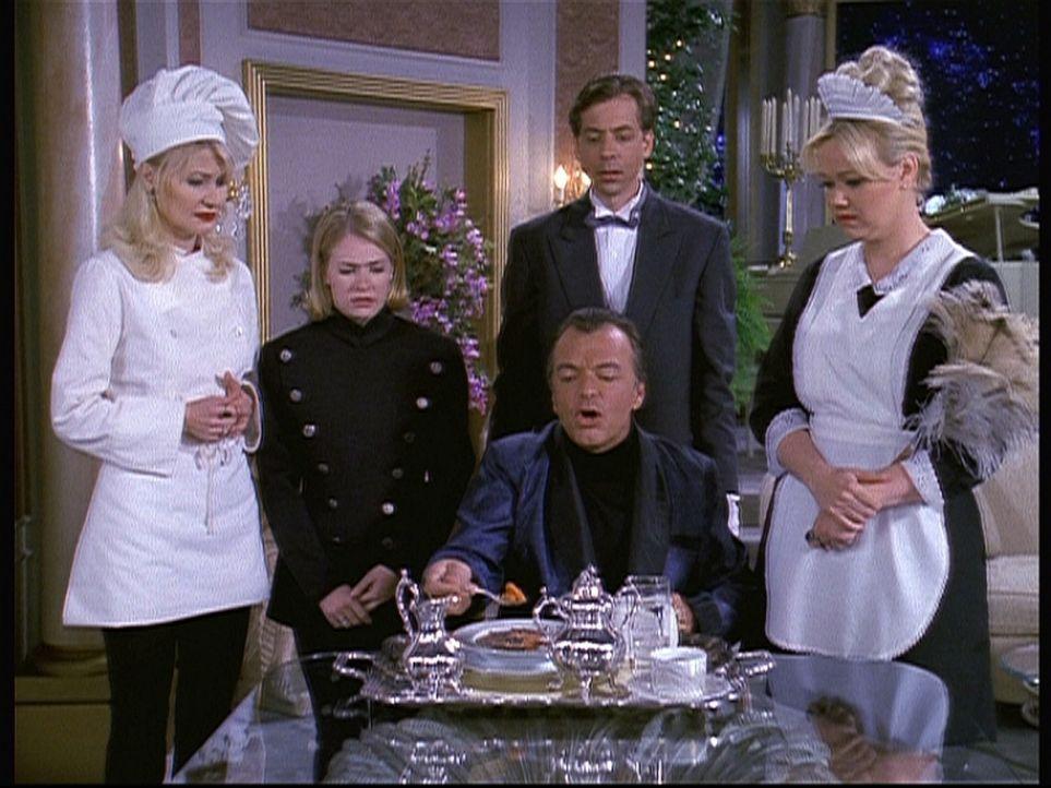 Diamanten Dave (Edward Albert, vorne, 2.v.r.) lässt Hilda (Caroline Rhea, r.), Zelda (Beth Broderick, l.) und Sabrina (Melissa Joan Hart, 2.v.l.) a... - Bildquelle: Paramount Pictures