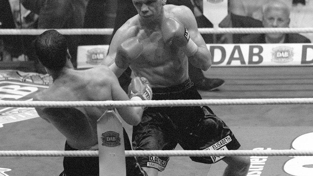 Rocky im Kampf gegen Henry Maske - Bildquelle: firofiroSIDfiro