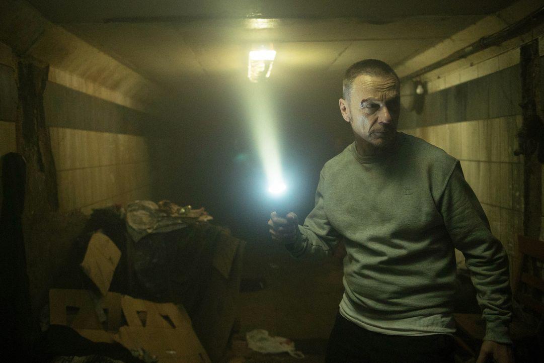 Auf der Suche nach dem Dämon macht Pater Marcus (Ben Daniels) im Untergrund von Chicago grausame Entdeckungen ... - Bildquelle: 2016 Fox and its related entities.  All rights reserved.