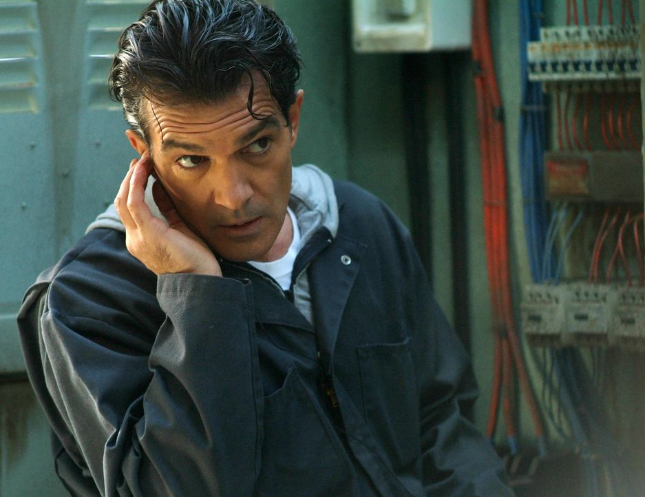 Steht Keith Ripley bei einem Coup bei - doch eigentlich verfolgt er einen ganz anderen Plan: Gabriel Martin (Antonio Banderas) ... - Bildquelle: Nu Image