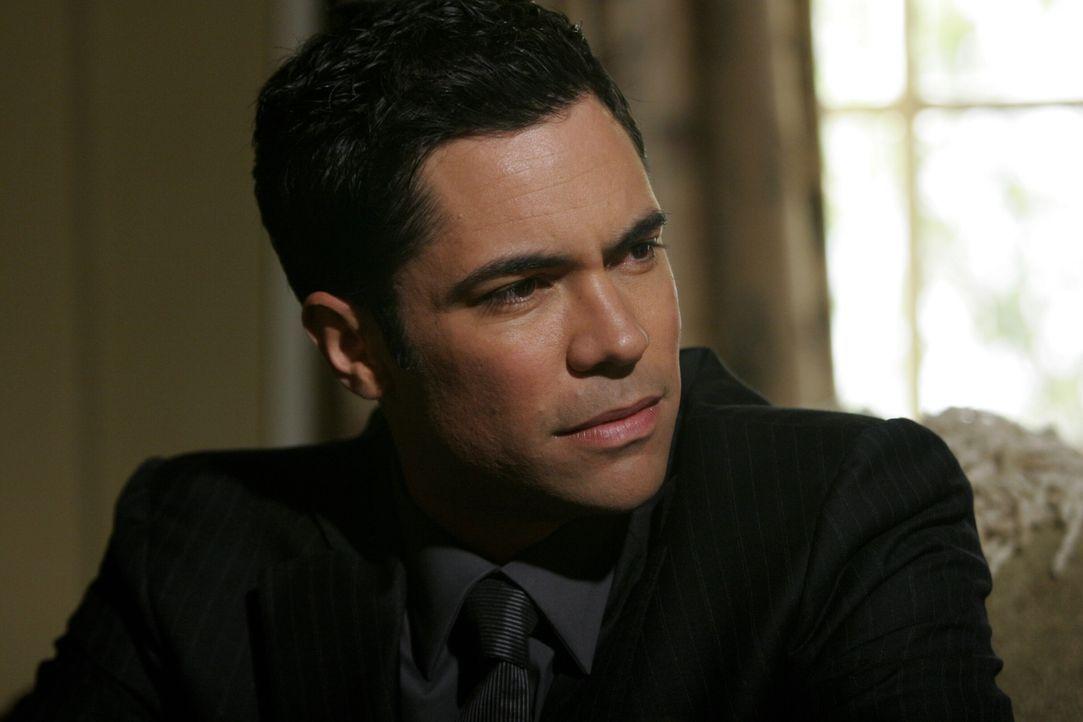Ist besorgt um seinen großen Bruder: Scott (Danny Pino) ... - Bildquelle: Warner Bros. Television