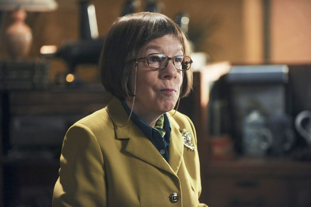 Hat einen neuen Fall für ihr Team: Hetty (Linda Hunt) ... - Bildquelle: CBS Studios Inc. All Rights Reserved.