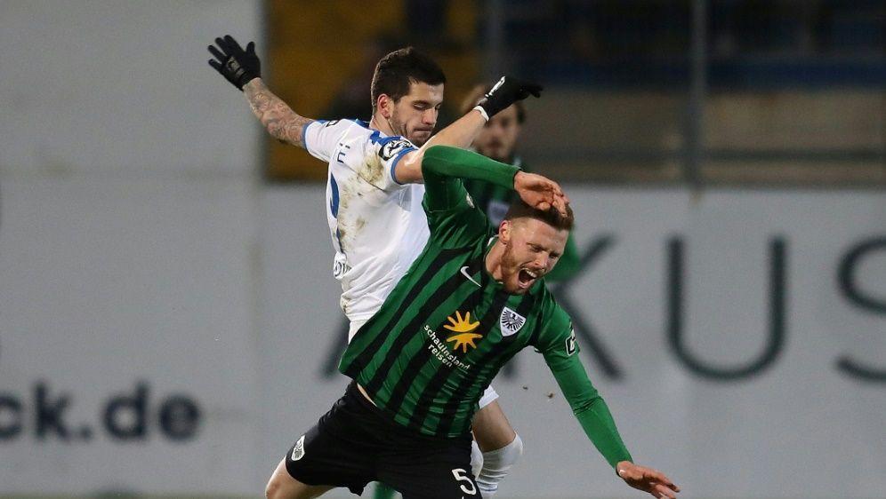 Toni Jovic (l.) erzielte den goldenen Treffer - Bildquelle: FIROFIROSID
