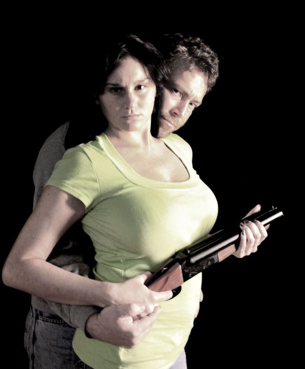 Als Chrystal Soto und Chuck Jordan gefasst werden, ist ihr Streifzug noch lange nicht vorbei ... - Bildquelle: M2 Pictures