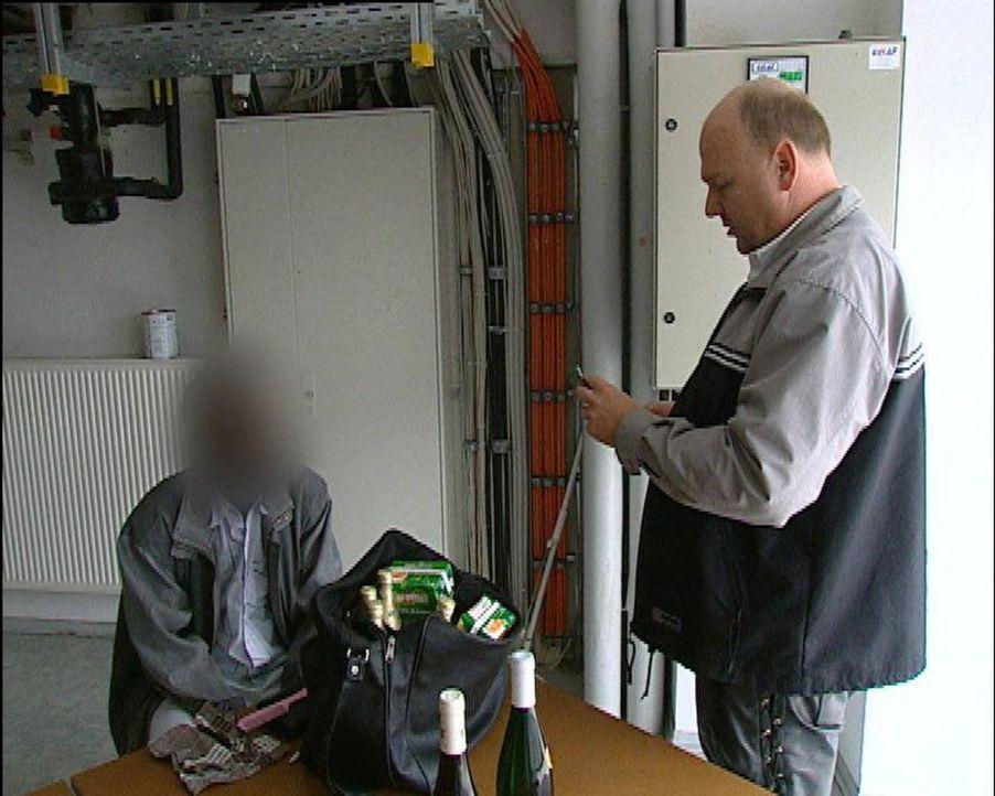 """""""24 Stunden"""" begleitet den Kaufhausdetektiv Uwe P. beim Kampf gegen Ladendiebstahl und Kleinkriminalität - und zeigt die andere Seite: Testdiebe, d... - Bildquelle: SAT.1"""