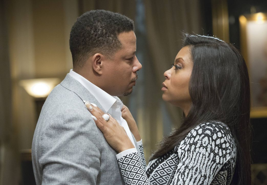 Im Angesicht seiner ALS-Erkrankung wird Lucious (Terrence Howard, l.) immer verwirrter. Kommt er dadurch etwa wieder mit seiner Ex-Frau Cookie (Tara... - Bildquelle: 2015 Fox and its related entities.  All rights reserved.