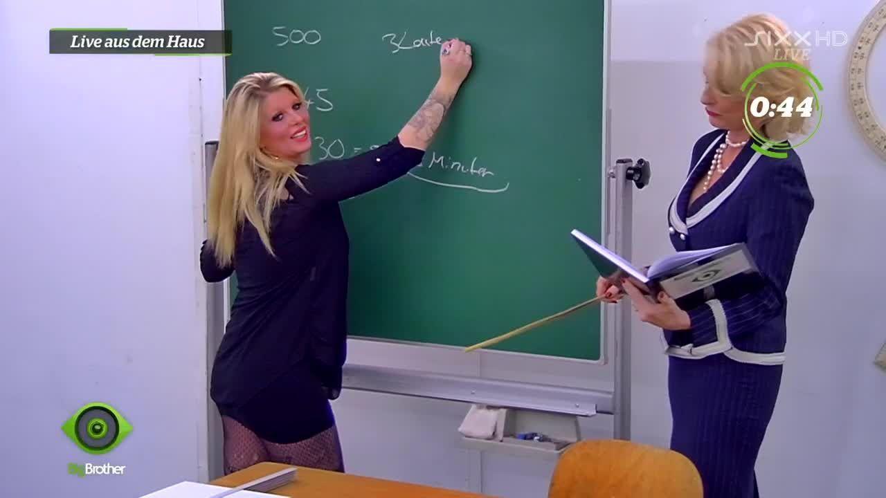 Sharon versucht sich an Mathe - Bildquelle: sixx