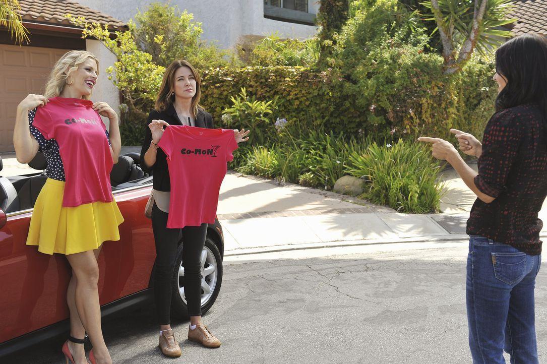 Jules (Courteney Cox, r.) macht Laurie (Busy Philipps, l.) und Ellie (Christa Miller, M.) zu ihren Trauzeuginnen. Ob das so eine gute Idee ist? - Bildquelle: 2011 American Broadcasting Companies, Inc. All rights reserved.