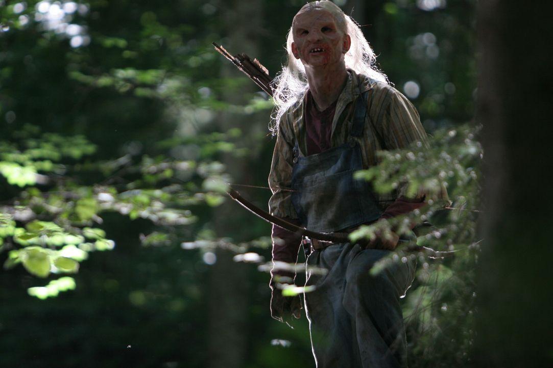 Tötet jeden, der sich in seine Wäldern verirrt: Kannibale Three-Fingers (Borislav Iliev) ... - Bildquelle: Constantin Film Verleih GmbH.