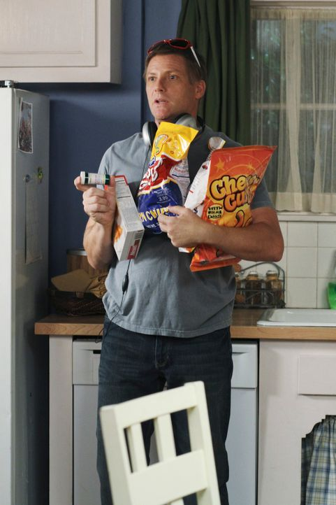 Während Bree versucht bei Keith zu landen, leidet Tom (Doug Savant) stark unter seinen Wochenbettdepressionen ... - Bildquelle: ABC Studios