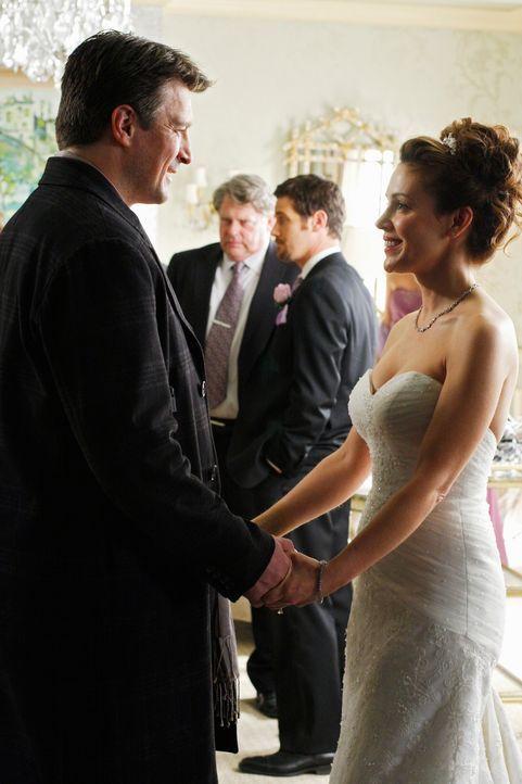 Am Morgen einer Hochzeit wird die Brautjungfer tot aufgefunden. Castle (Nathan Fillion, l.) muss feststellen, dass die Braut seine längst verflossen... - Bildquelle: ABC Studios