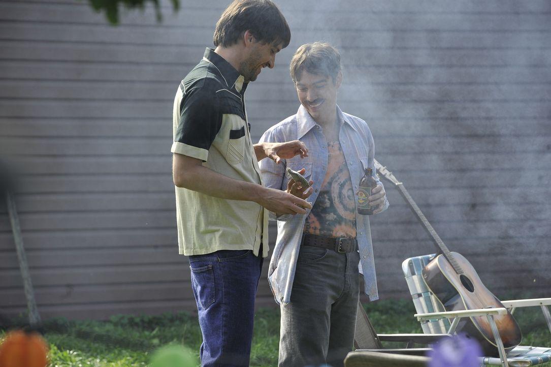 Hat Susans guter Freund Bill Hassler (Jay Newman, r.) etwas mit dem Mord an der jungen Frau zu tun? Seine Drogengeschäfte machen ihn zunächst zu ein... - Bildquelle: Jag Gundu Cineflix 2012
