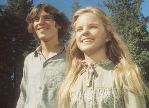Unsere kleine Farm - John (Radames Pera, l.) und Mary (Melissa Sue Anderson,...