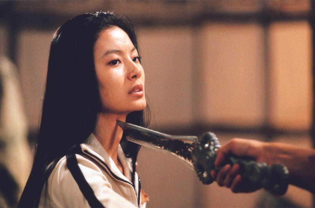 Endlich gibt sich das das Böse zu erkennen, und versucht Sang-hwan und Wi-jin (So-yi Yoon) außer Gefecht zu setzen. Doch so schnell geben die beiden... - Bildquelle: Splendid