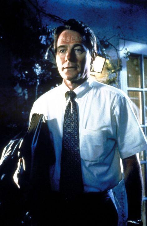Hal (Bryan Cranston) kommt nach einem ereignisreichen Tag beim Autorennen nach Hause. - Bildquelle: 20th Century Fox