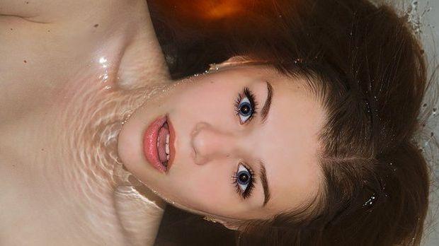 Kopf halb im Wasser