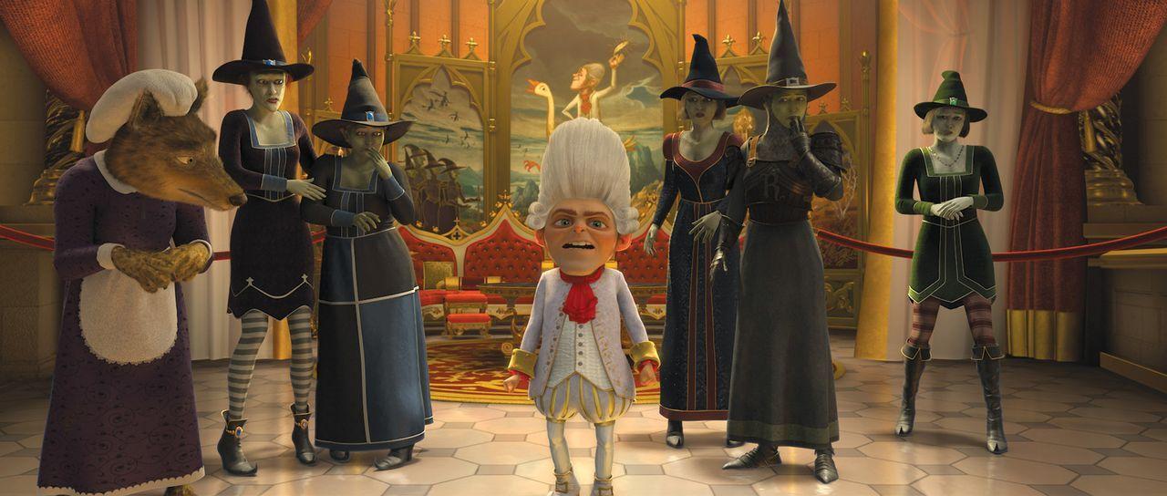 """In der alternativen Parallelwelt des Königreichs """"Weit Weit Weg"""" herrscht das Rumpelstilzchen (M.) als tyrannischer Diktator gestützt auf eine Arm... - Bildquelle: 2012 DreamWorks Animation LLC. All Rights Reserved."""