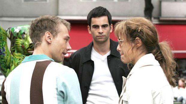 Als Lisa (Alexandra Neldel, r.) empört Richards Wohnung verlässt, trifft sie...
