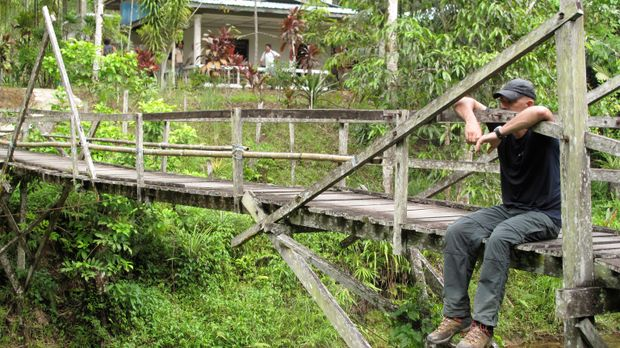 In den Tiefen des Urwalds von Borneo will Todd Carmichael die seltene und exo...