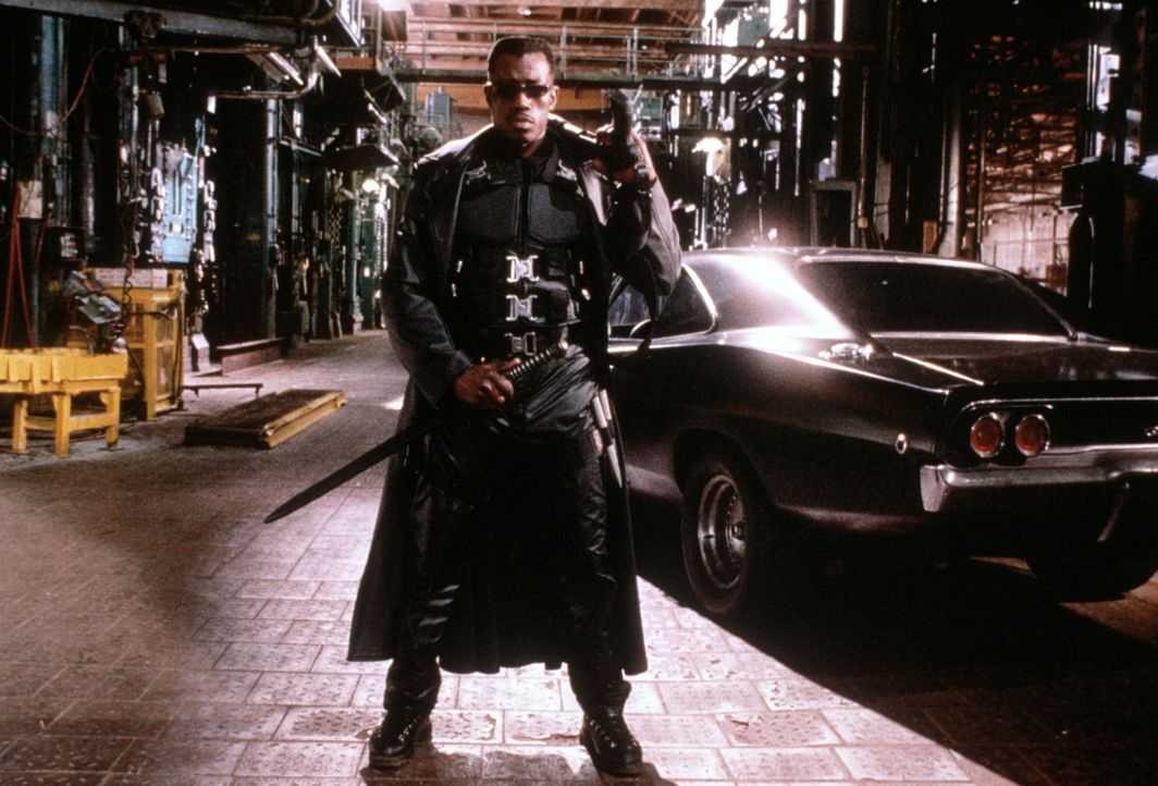 Der Vampirjäger Blade (Wesley Snipes) - halb Vampir, halb Mensch - kann nicht ruhen, bis er den Tod seiner Mutter gerächt hat. Diese wurde kurz vor... - Bildquelle: New Line Cinema