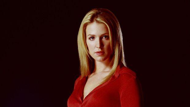 (2. Staffel) - Samantha Spades (Poppy Montgomery) zeigt nicht nur Interesse a...