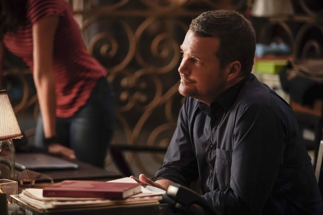 Einfach sang und klanglos in den Ruhestand gehen? Das passt einfach nicht zu Hetty. G. Callen (Chris O'Donnell) macht das stutzig und er stellt Nach... - Bildquelle: Erik Voake 2017 CBS Studios Inc. All Rights Reserved.
