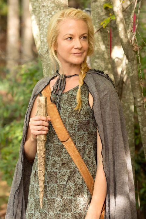 Die Werwölfin Eve (Tasha Ames) kann Informationen liefern, die schockierende Dinge offenbaren ... - Bildquelle: Warner Bros. Television