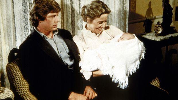Caroline (Karen Grassle, r.) möchte ihre neugeborene Enkeltochter Rose Schwie...