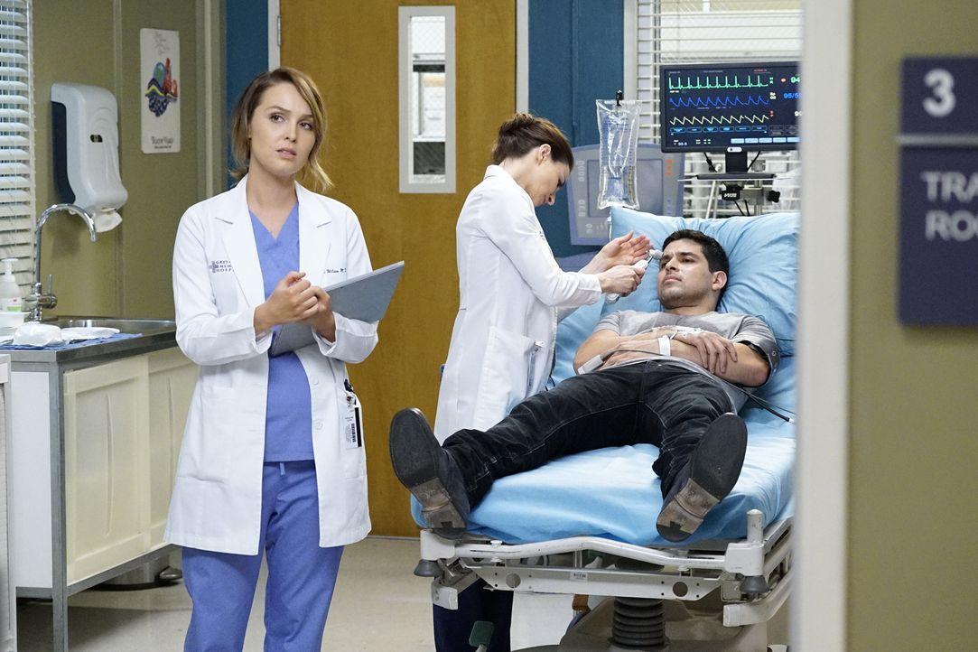 Während der Sorgerechtstreit von Callie und Arizona vor Gericht geht, wird Kyle (Wilmer Valderrama, r.) ins Krankenhaus eingeliefert. Amelia (Cateri... - Bildquelle: Kelsey McNeal ABC Studios
