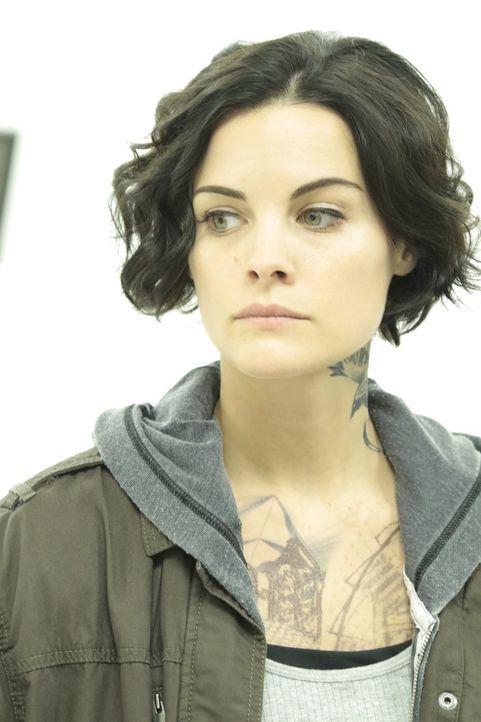 Ein neuer Fall wartet auf Jane (Jaimie Alexander) ... - Bildquelle: Warner Brothers