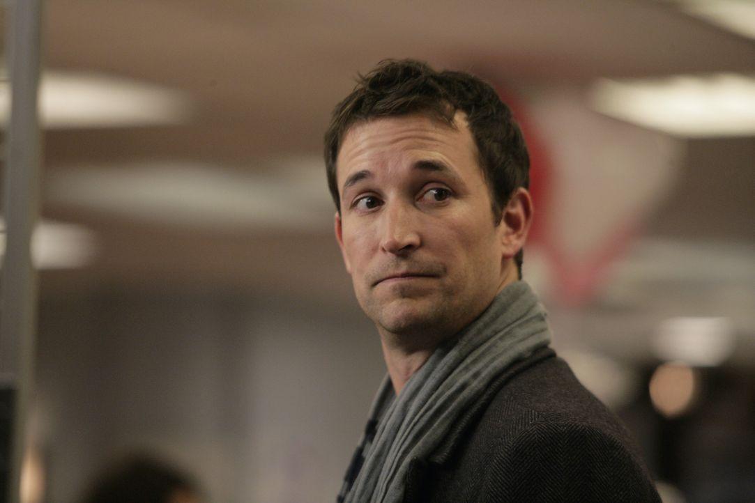 Überrascht seine ehemaligen Kollegen mit einem Besuch: Carter (Noah Wyle) ... - Bildquelle: Warner Bros. Television