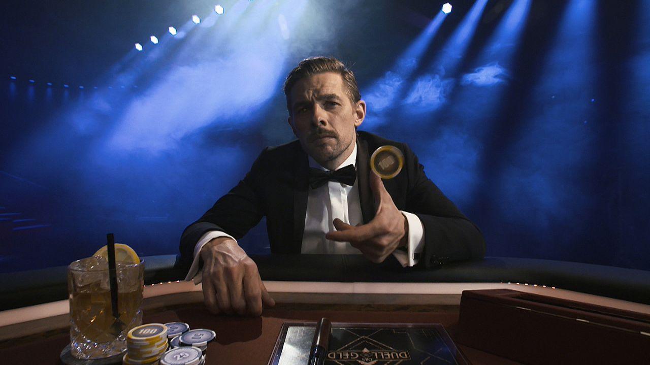 """Joko Winterscheidt und Klaas Heufer-Umlauf (Bild) gehen All-in und laden gute Freunde zum """"Duell um die Geld"""" ein. Beim großen Spieleabend trifft Qu... - Bildquelle: ProSieben"""
