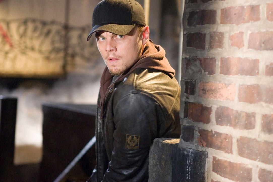 Im Süden Bostons hat der Kriminelle Costello das Sagen, weshalb Undercover-Cop Billy (Leonardo DiCaprio) auf ihn angesetzt wird. Während Billy desse... - Bildquelle: Warner Bros. Entertainment Inc