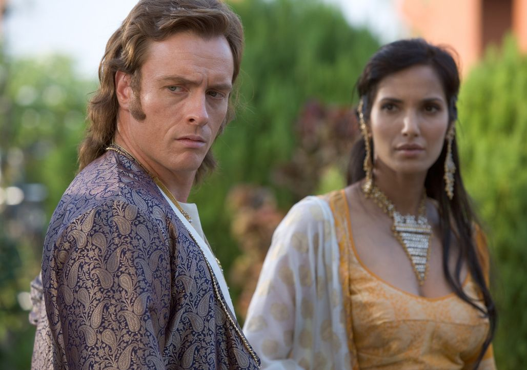 Verbündete wider Willen: der schurkische englische Offizier William Dodd (Toby Stephens, l.) und die intrigante, schöne Madhuvanthi (Padma Lakshmi... - Bildquelle: Copyright BBC 2006
