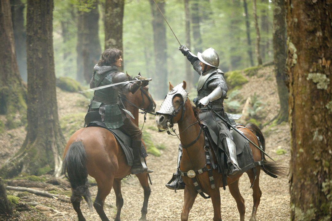 Prinz Kaspian (Ben Barnes, r.) kämpft unermüdlich gegen die Telmarer, die ihm den Platz auf dem Thron geraubt haben ... - Bildquelle: Disney - ABC - ESPN Television