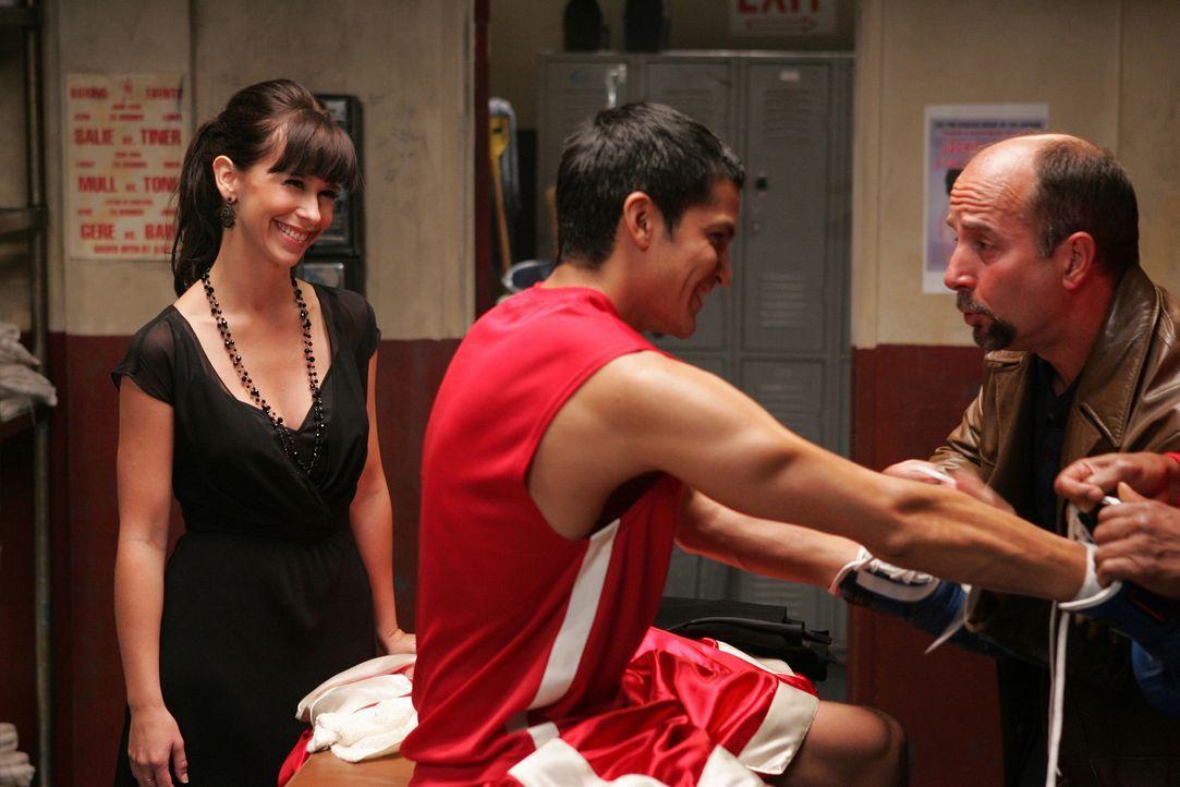 Konnte Melinda (Jennifer Love Hewitt, l.) das Missverständnis zwischen Teo (Nicholas Gonzales, M.) und seinem Vater (Julio Oscar Mechoso, r.) beseit... - Bildquelle: ABC Studios